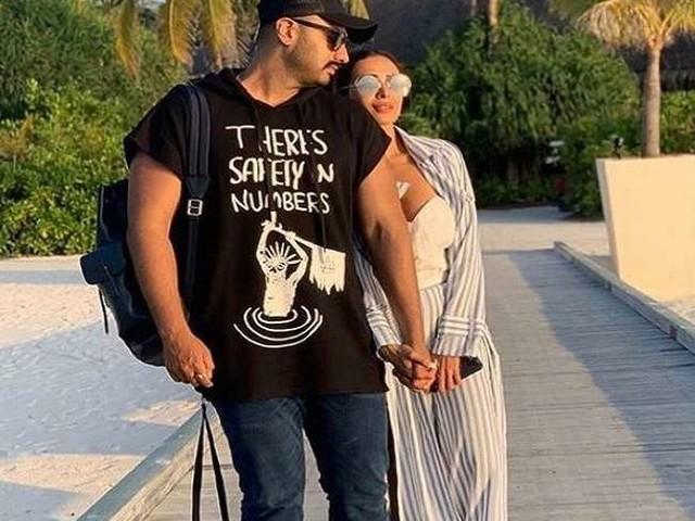 Malaika Arora से खास अंदाज में मिलने पहुंचे बॉयफ्रेंड अर्जुन कपूर, वायरल हुई तस्वीरें