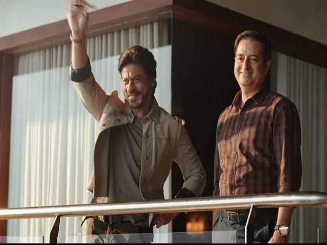 Shah Rukh Khan को जानें क्यों सता रहा हैं डर, अक्षय कुमार और अजय देवगन के लिए फैंस साथ देंगे छोड़, देखें वायरल वीडियो