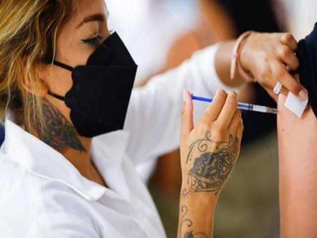 देश में टीकाकरण का आंकड़ा 61 करोड़ के पार, 50 फीसद आबादी को दी गई कोविड-19 रोधी वैक्सीन की पहली खुराक