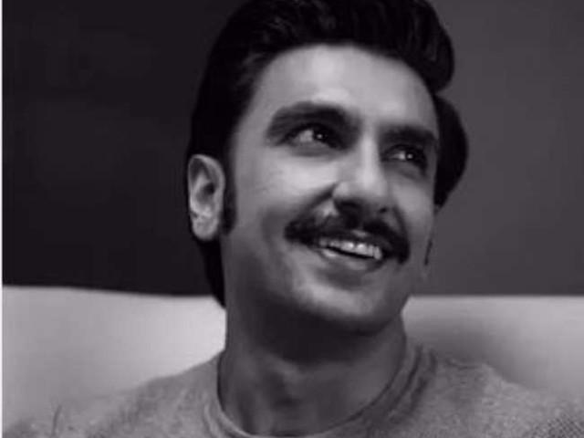 Ranveer Singh ने शेयर की मोनेक्रोम तस्वीरें, मुस्कुराहट देख पिघला फैंस का दिल