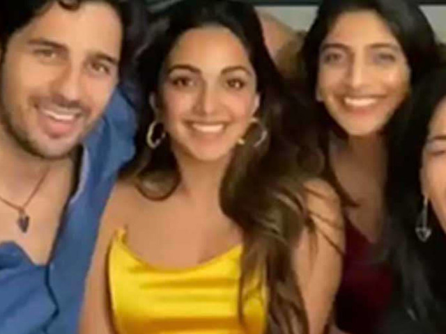 Inside pictures from Kiara Advanis birthday celebrations with Sidharth Malhotra
