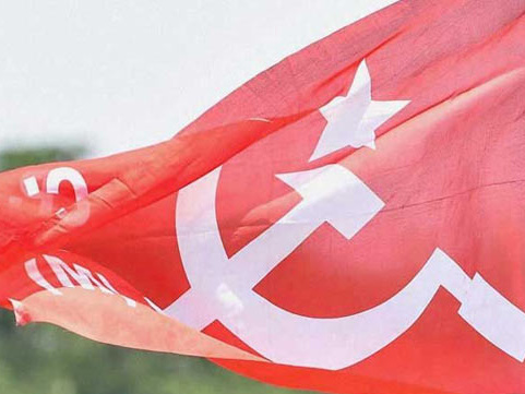 ടി.എം സിദ്ദിഖിനെ സ്ഥാനാര്ത്ഥിയാക്കണം: പൊന്നാനിയില് സിപിഎം പ്രവര്ത്തകരുടെ വന് പ്രതിഷേധം
