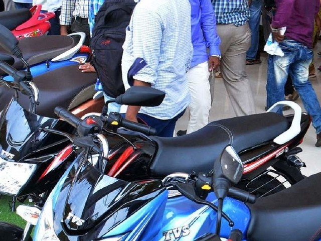 Two-wheeler exports rise 4 per cent in April-Sep; Bajaj Auto leads the pack
