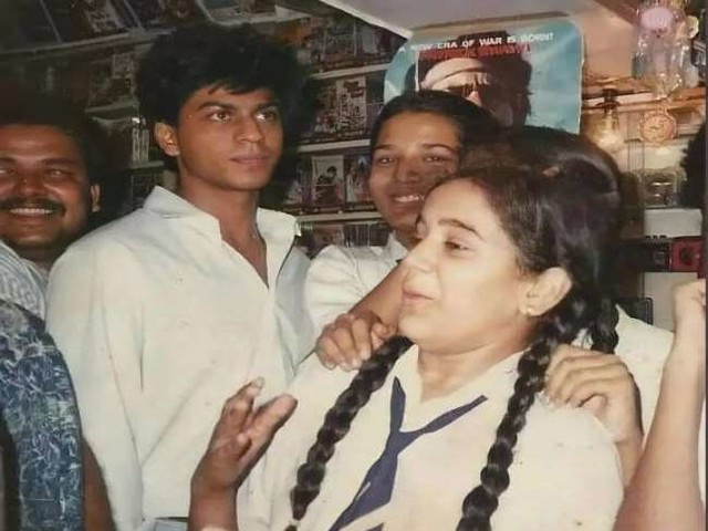 स्कूल के वक्त ऐसे दिखते थें अभिनेता शाहरुख खान, सोशल मीडिया पर वायरल हुआ फोटो