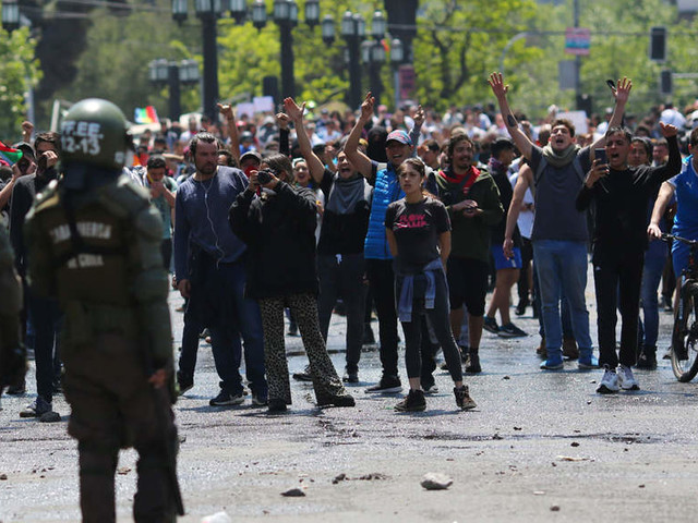 Chile protests continue after govt backs down on fare hike