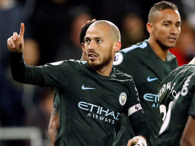 Silva shines as Manchester City power to record 15th successive win
