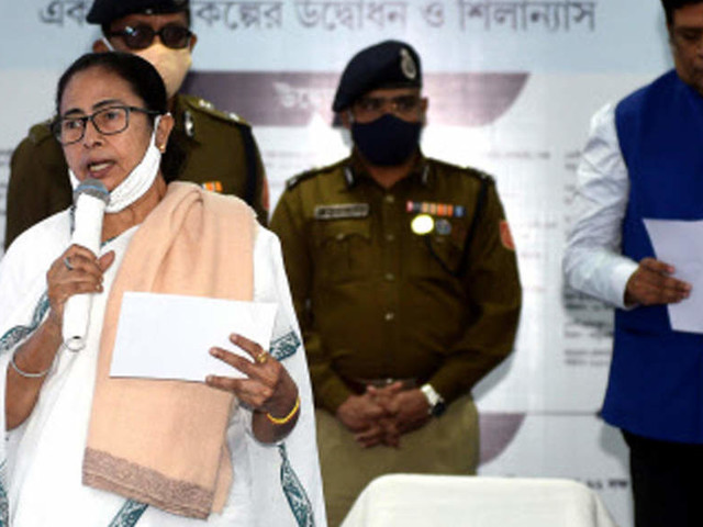 Media independence cannot be curtailed, newspapers going through era of degeneration: Mamata Banerjee