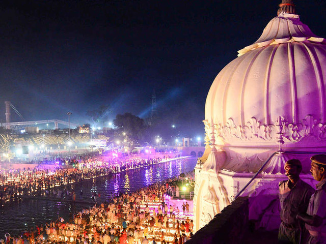 Shiv Sena, BJP workers come to blows over Saamana's comments on Ayodhya land row
