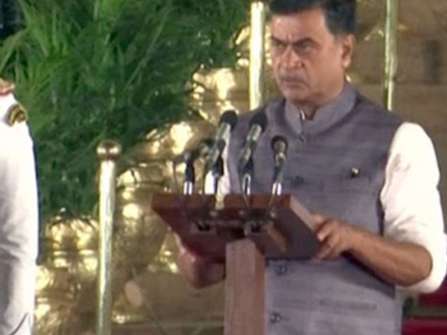 Power minister says India inching towards meeting Paris convention targets