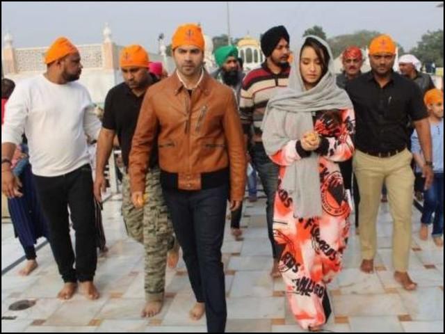 SD3D: Shraddha,VD seek blessings in Delhi