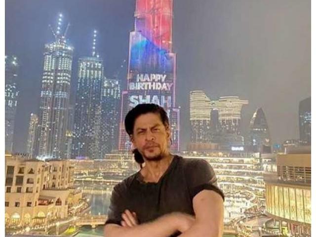 Shah Rukh Khan की फिल्म 'पठान' से वायरल हुआ उनका नया लुक, लंबे बाल और फ्रेंच कट दाढ़ी में यू नजर आए एक्टर