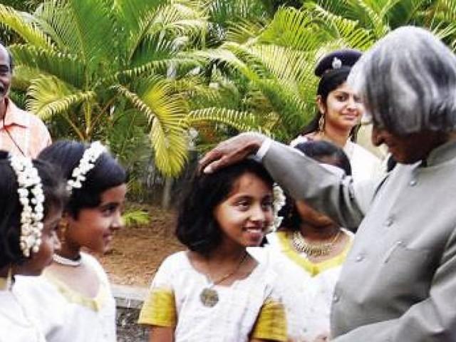 ലോക വിദ്യാർത്ഥി ദിനം: സ്വപ്നം കാണാൻ പഠിപ്പിച്ച എപിജെ അബ്ദുൾ കലാമിന്റെ 90 ാം ജന്മവാര്ഷികം