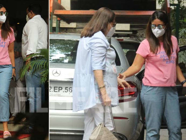 In pictures: Kareena Kapoor Khan and Babita Kapoor snapped in the city