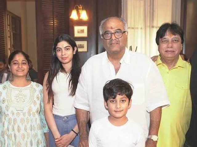 Anshula Khushi and Arjun Kapoor attend the muhurat puja of Boney Kapoorâs Maidaan