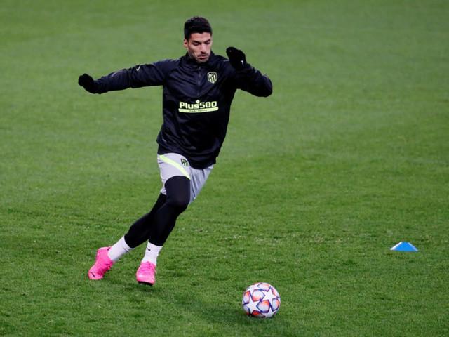 Atletico Madrid coach Simeone says Suarez return close