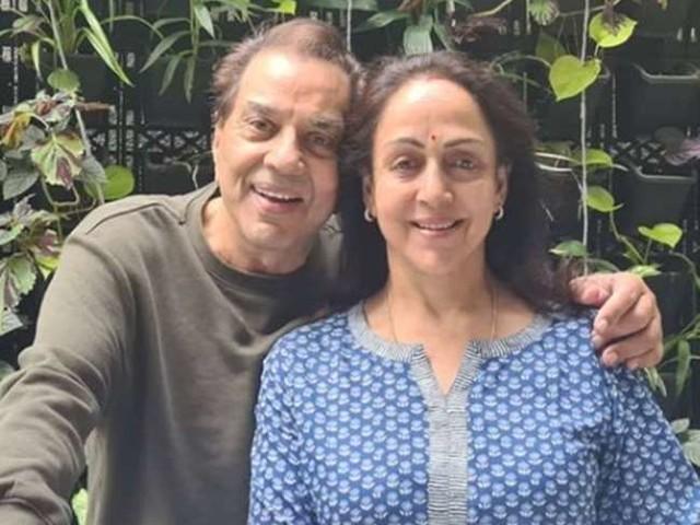 हेमा मालिनी ने बर्थडे के एक हफ्ते बाद किया फैंस का शुक्रिया, धर्मेंद्र के साथ शेयर की खास फोटो
