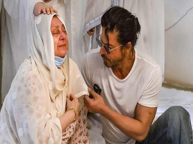 सायरा बानो ने अस्पताल से धर्मेंद्र को फोन कर बताई अपनी तबीयत, शाहरुख खान भी लेते रहते हैं हालचाल
