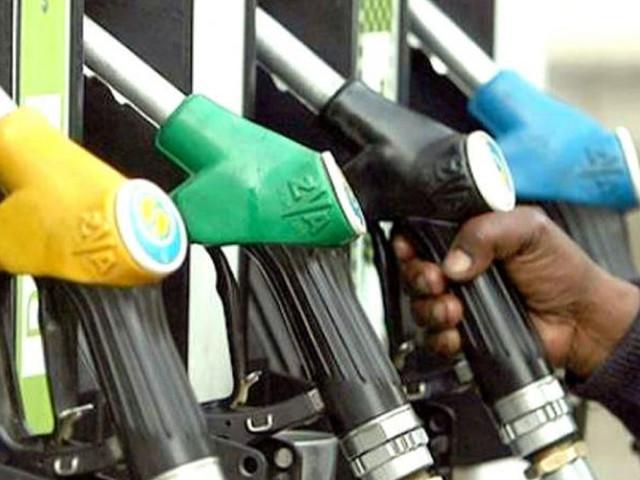 पेट्रोल और Diesel की कीमतों में लगातार गिरावट जारी, जाने भाव !
