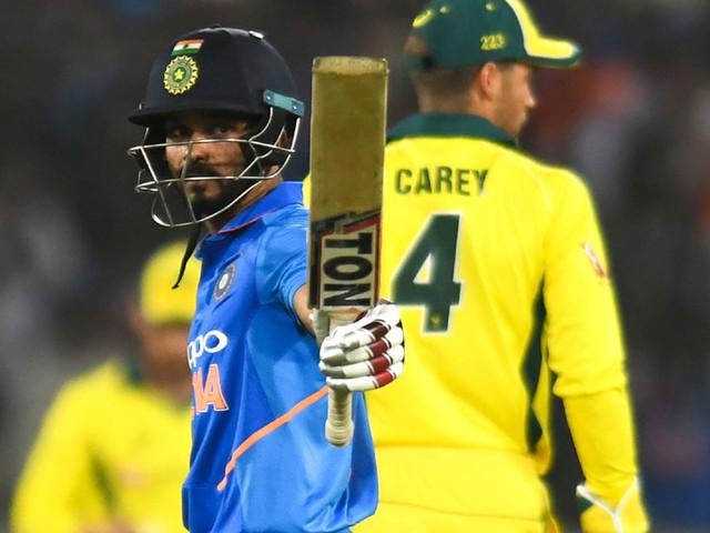 केदार दमदार, धोनी बहारदार आणि भारत विजयी