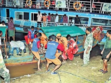 Ten from Hyderabad feared drowned in AP boat capsize