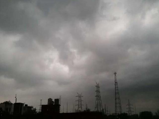 Weather Update: बंगाल की खाड़ी में फिर बन रहा मौसमी चक्रवात, इन राज्यों में भारी बारिश की संभावना