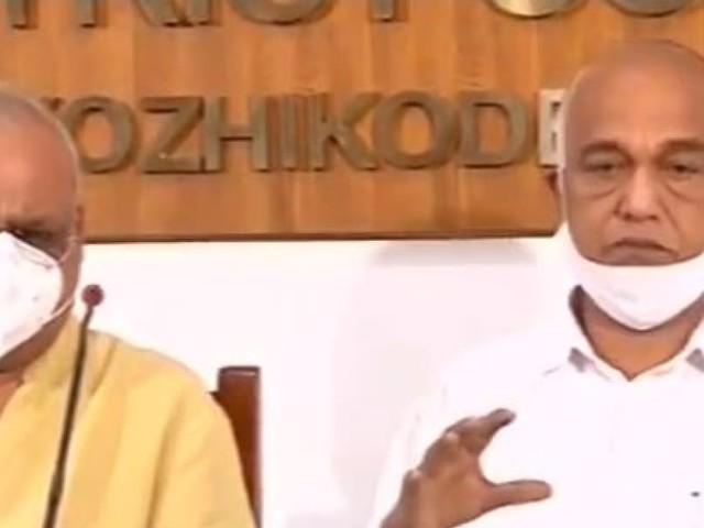 കോവിഡ് വാക്സിൻ വിതരണം: സര്ക്കാര് വ്യക്തത വരുത്തിയില്ല, സൗജന്യമായി നല്കണമെന്ന് ഇടത് എംപിമാര്