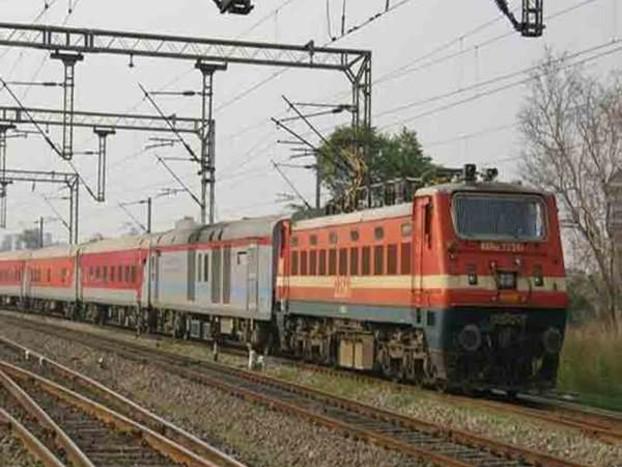 दिल्ली-मुंबई के बीच चलेगी तेज रफ्तार वाली नई राजधानी एक्सप्रेस, बचेंगे 4 घंटे