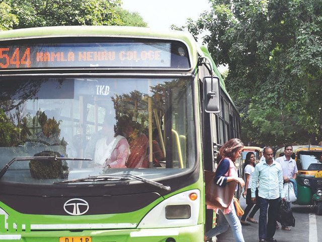 Delhi Cabinet approves proposal for 10% discount on using metro card in DTC buses