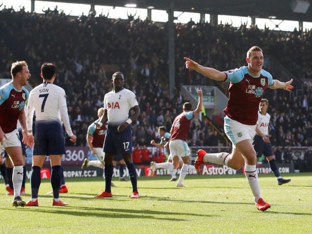 Kane scores on return but Spurs fall at Burnley