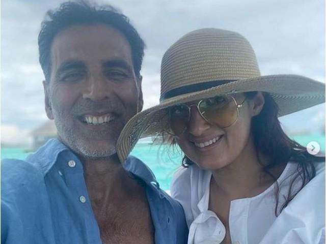 Akshay Kumar की पत्नी ट्विंकल खन्ना हाथ में चाकू लिए गुस्से में चीखती और हमला करती आईं नजर, कहा- जब मुझे मजबूर किया जाता है तो..., Video वायरल