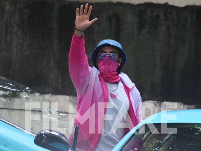 Ranveer Singh goes all pink as he zooms off in his new aqua blue colour car