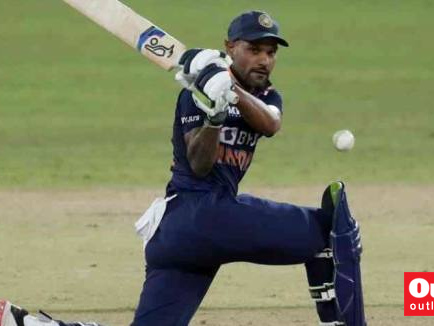 1st ODI: Krunal Gets Dhananjaya After Kuldeep's Twin Strikes