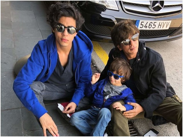 Here's what dad SRK has to say about Aryan