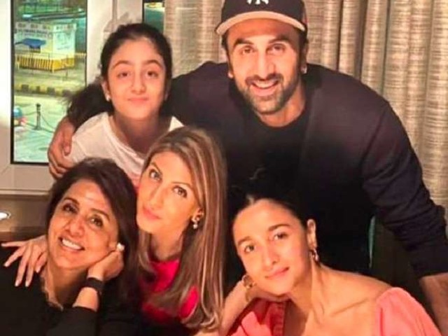Ranbir Kapoor birthday: आलिया के साथ तस्वीर शेयर कर बहन रिद्धिमा कपूर ने रणबीर को किया बर्थडे विश, एक्टर को बताया 'रॉकस्टार'