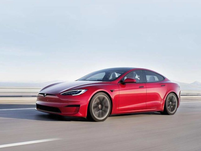 Tesla's 'Full Self Driving' request button goes live