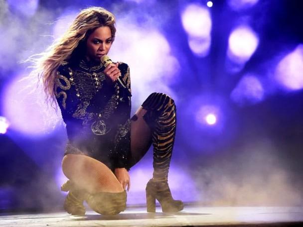 Beyoncé Releases Surprise Live Album 'Homecoming'