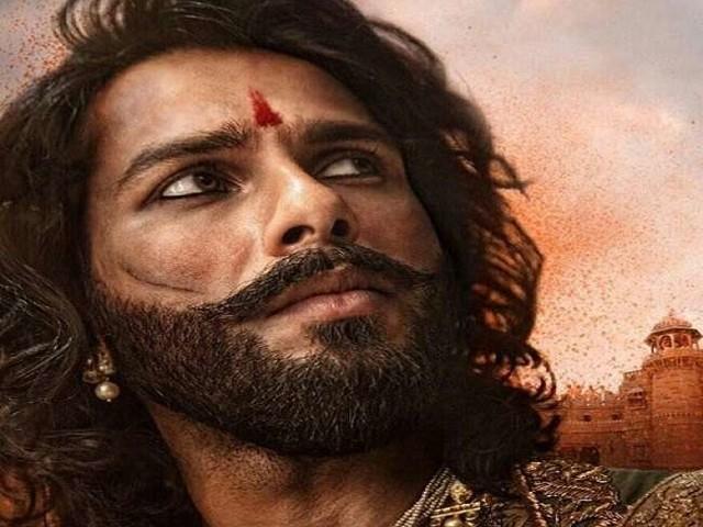 पद्मावती बनीं दीपिका पादुकोण के बाद देखें महारावल रतन सिंह बने शाहिद कपूर का ये धांसू लुक, देखें तस्वीरें