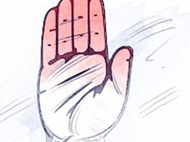 Uttarakhand: All eyes now on 'group of nine Congress rebels'