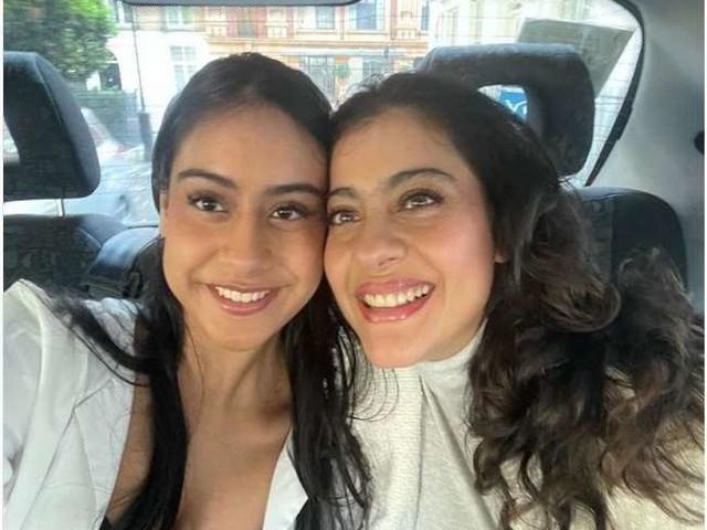 Kajol ने बेटी न्यासा के साथ शेयर की सेल्फी तस्वीर, फैंस ने किया यह कमेंट, पढ़ें पूरी खबर