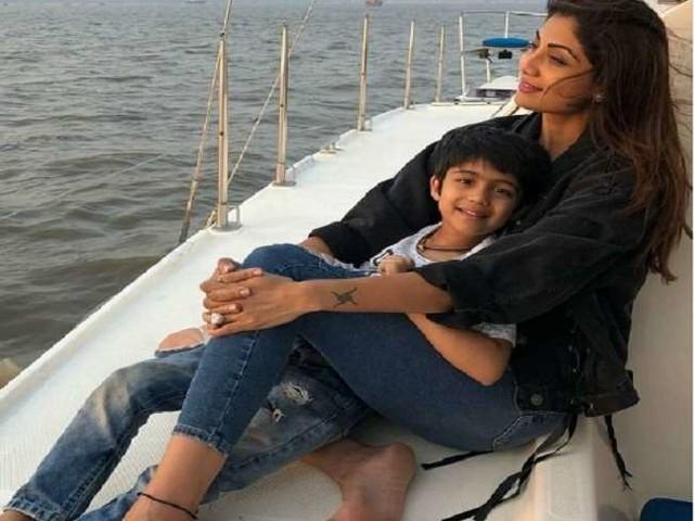Raj Kundra की बेल के बाद बेटे वियान ने शेयर की परिवार के साथ तस्वीर, नहीं नज़र आए पापा