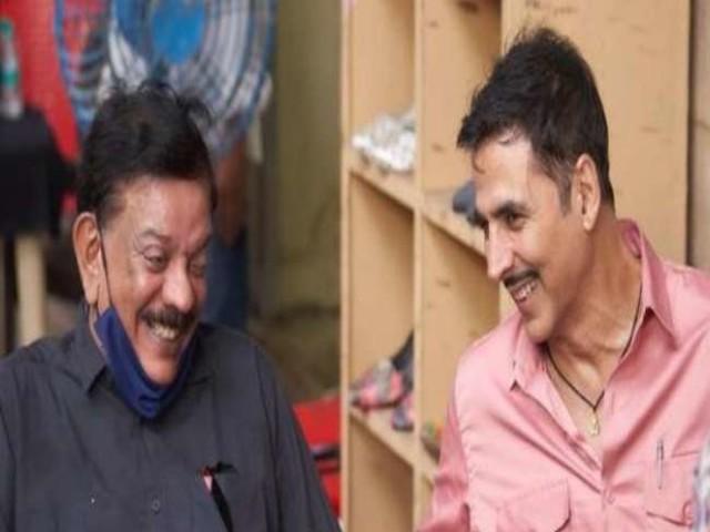 Akshay Kumar ने फिल्म निर्माता प्रियदर्शन के साथ शेयर किया 'हैप्पी बीटीएस' फोटो, लिखा स्पेशल कैप्शन