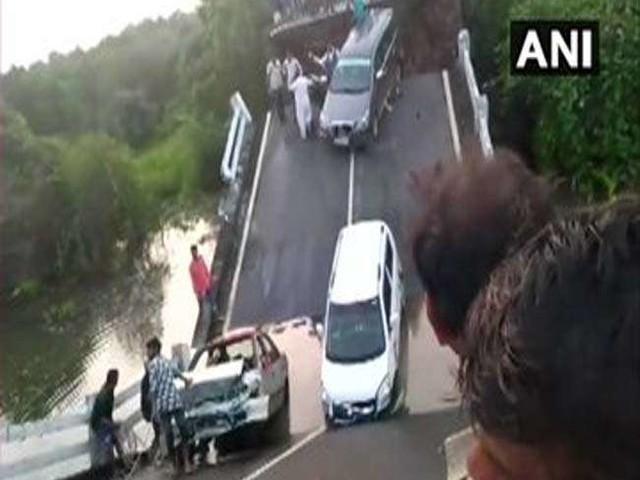 Bridge Collapsed in Gujarat : जूनागढ़ के मलंका गांव में पुल टूटा, जानमाल के नुकसान की खबर नहीं