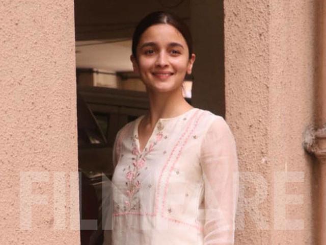 Alia Bhatt rocks ethnic in white as she meets Sanjay Leela Bhansali