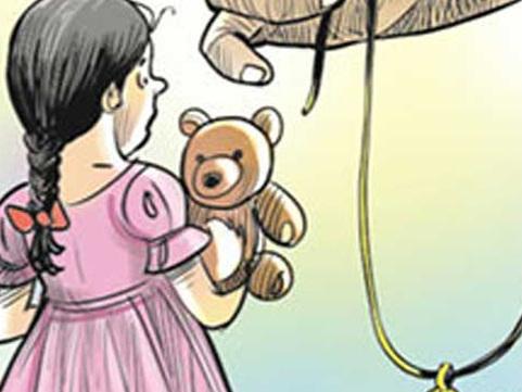 'തന്റെ വിവാഹം മുടക്കാന് സഹായിക്കണം' പരാതിയുമായി 15 കാരി മുഖ്യമന്ത്രിയെ കണ്ടു