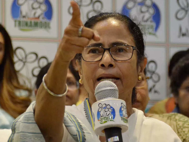 We promise to oust BJP from the country: Mamata Banerjee