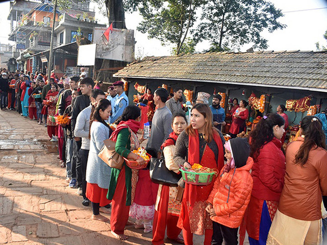 Devotees throng temples of goddess on Maha Ashtami