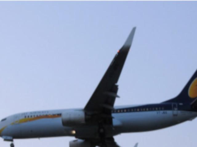 Jet will cut 15% salary of expat pilots too