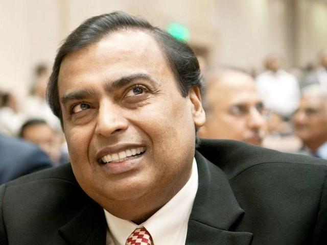 Oil Minister invites RIL, BP to invest in fuel retailing