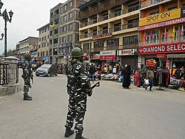 समाचार पत्र: भारतीय सेना ने अधिकृत कश्मीर में नागरिकों को गोली मारी