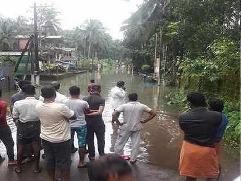 केरल में भारी बारिश से 22 की मौत, रेड अलर्ट